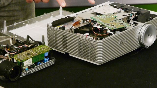 Acer K750 Full-HD Hybrid-Projektor