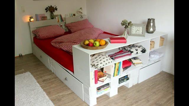 Bett aus Europaletten DIY Mit Schubladen und Ablageflaechen