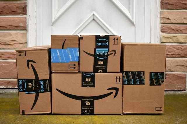 Amazon Pakete: Darum verschickt das Unternehmen zu großen Kartons