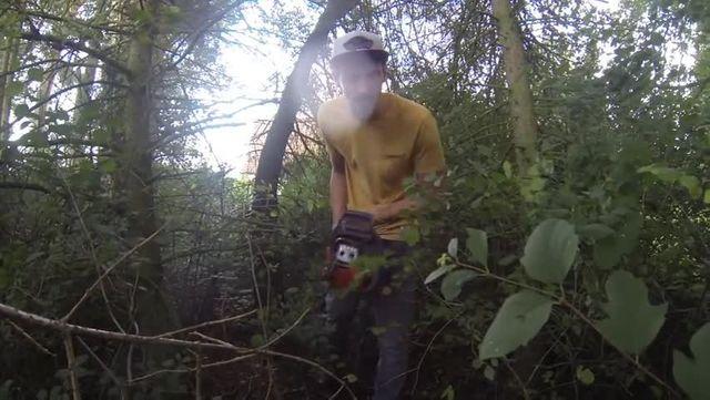 Baum fällen - Heimwerkerking Fynn Kliemann