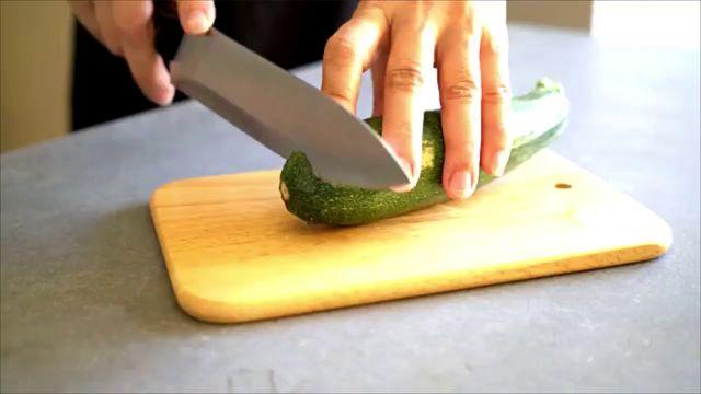 Zucchini schmeckt bitter: Sie sollten sofort zum Arzt