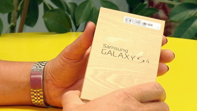 Galaxy S4 Unboxing Live-Test