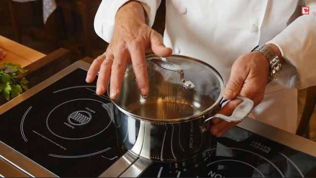 Küchenchef bewertet Kochtopf von Jamie Oliver